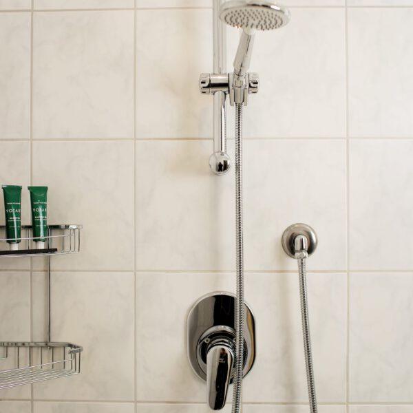 Jedes Zimmer hat eine eigene neue Dusche und wurde neu renoviert